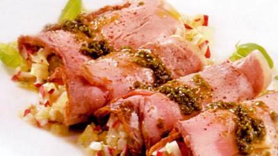 Rulouri din friptură de vită cu legume