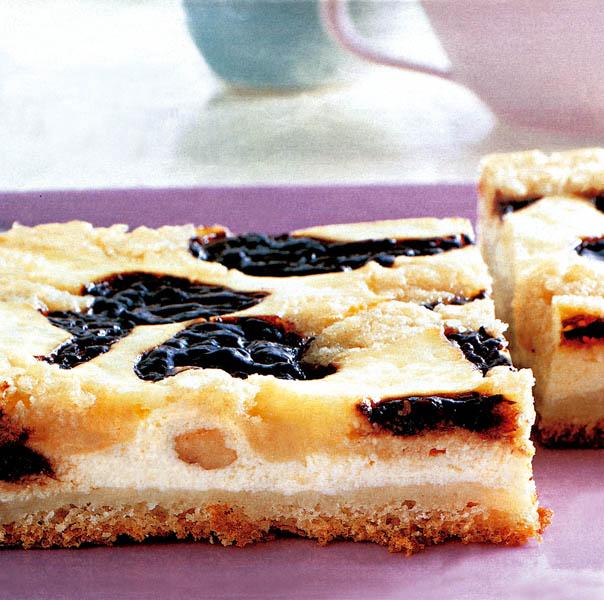 Budincă cu brânză şi prune thumbnail