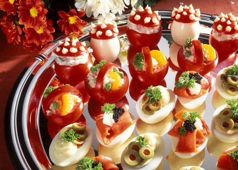Imagini pentru Idei minunate pentru ornat platourile de fructe, sa aveti o masa aleasa