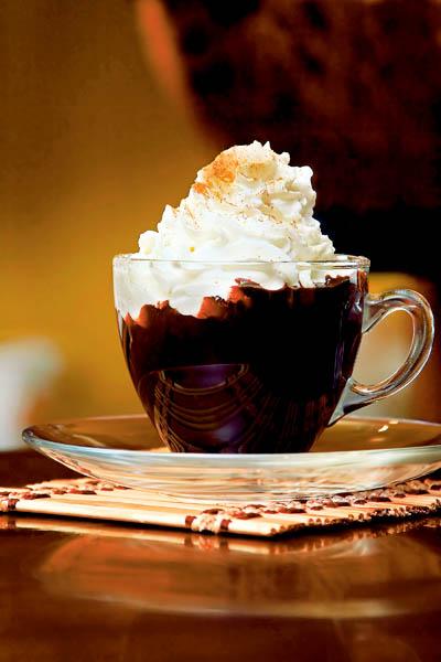 Ciocolată caldă cu frişcă thumbnail