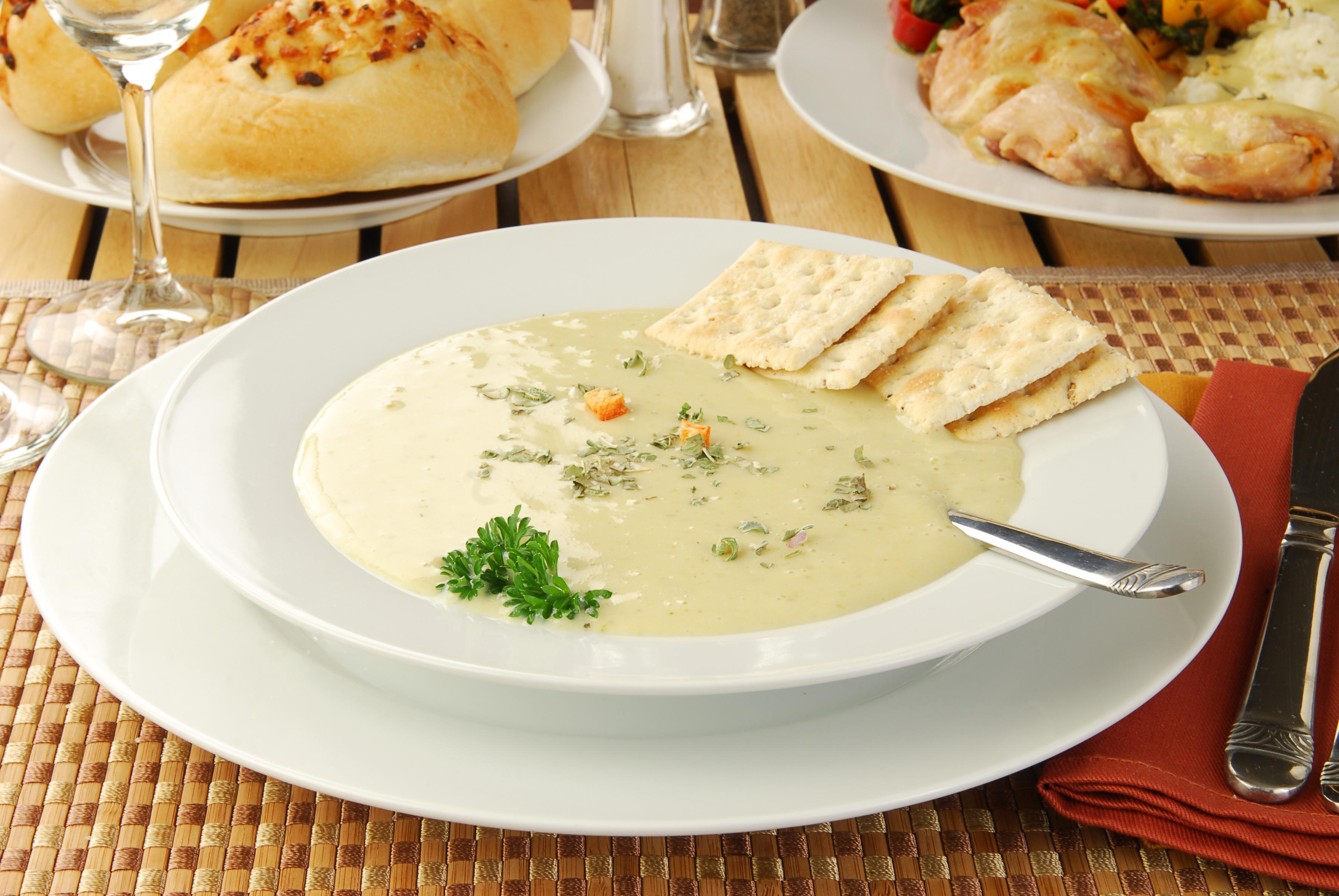 Retete pentru ciorbe, supe si bors