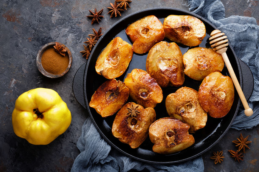 Gutui coapte cu scorțișoară și miere
