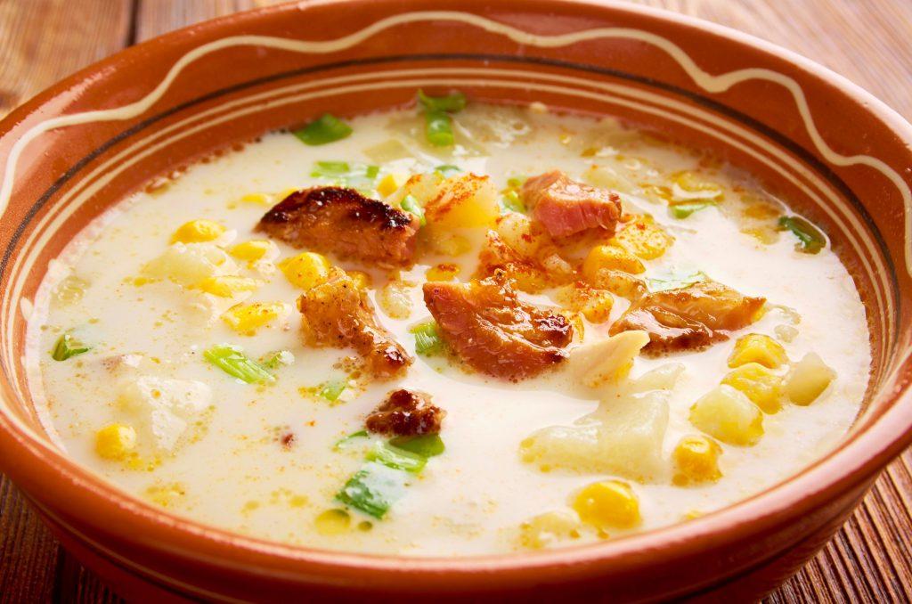 Supă de porumb cu cartofi şi afumătură (3)