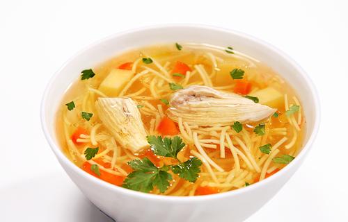 Supă de pui cu fidea - rețetă rapidă și sănătoasă
