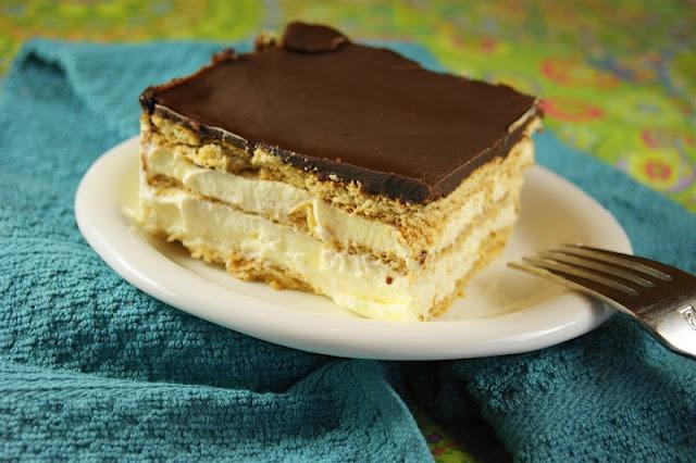 Prajitura simpla cu biscuiti si ciocolata