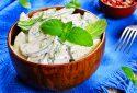 Salată de castraveți cu smântână
