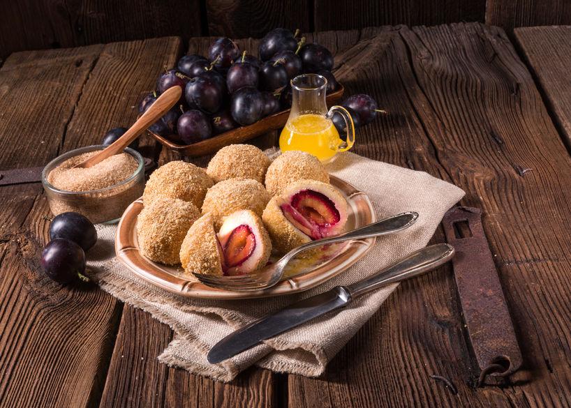 Găluște cu prune - desertul copilăriei