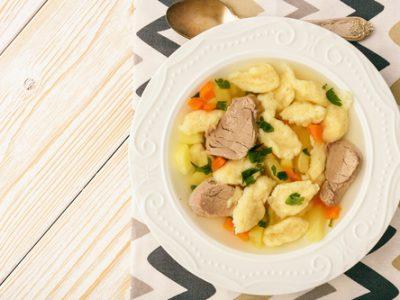 Supă de pui cu găluşte