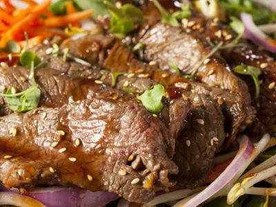 Salată picantă de vită – rețeta lui Gordon Ramsay