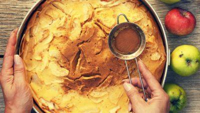Prăjitură cu mere și mirodenii