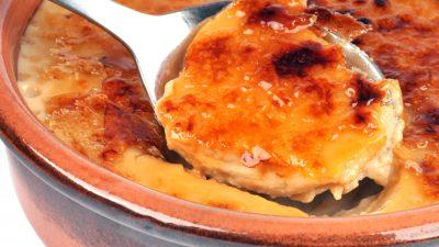 Tort de mere cu cremă de zahăr ars